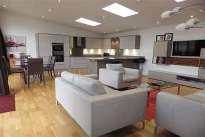3 Bedrooms House for rent in Eastern Avenue