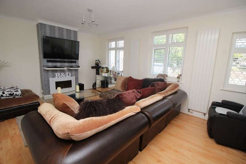 4 Bedrooms Semi Detached House for sale in Gravits Lane, Bognor Regis, PO21
