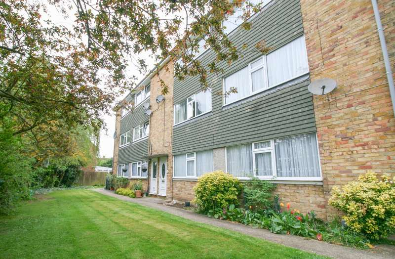2 Bedrooms Maisonette Flat for sale in Crofthill Road, Available To View!