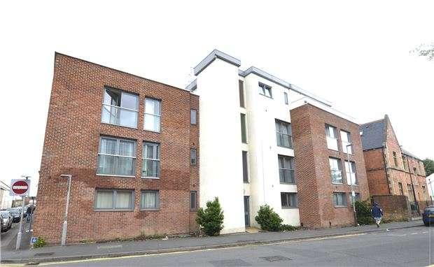 1 Bedroom Flat for sale in St. Pauls Road, CHELTENHAM, Gloucestershire, GL50 4EX