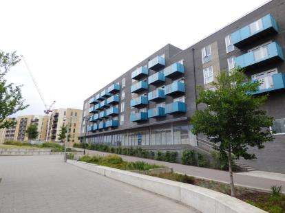 2 Bedrooms Flat for sale in 21 Minter Road, Barking