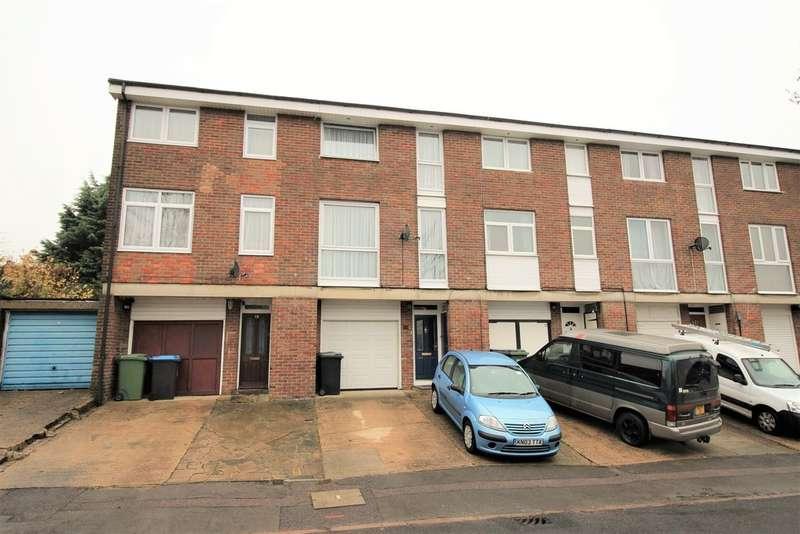 3 Bedrooms Town House for sale in Nash Mills, Hemel Hempstead