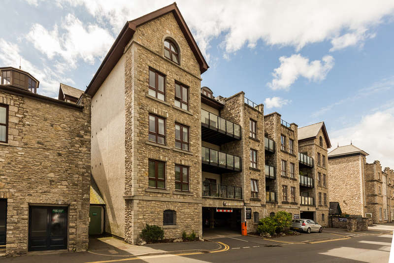 2 Bedrooms Flat for sale in Apartment 3, Kentgate Place, Kendal, Cumbria