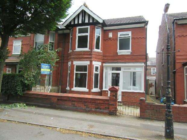 3 Bedrooms Semi Detached House for sale in Reynolds Road, Old Trafford, Manchester