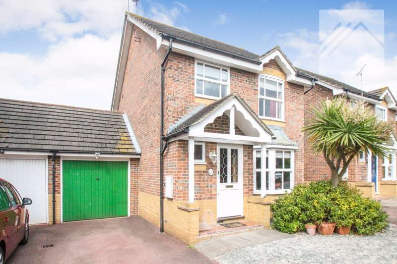 3 Bedrooms Detached House for sale in Truro Crescent, Rayleigh - LOVELY FAMILY HOME