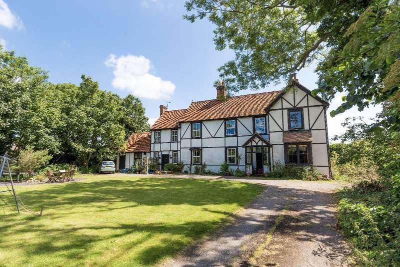 5 Bedrooms Detached House for sale in Nipsells Farm House, Mayland,