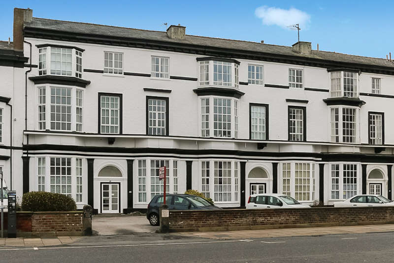 2 Bedrooms Flat for sale in Agincourt Mansions, Promenade, Southport