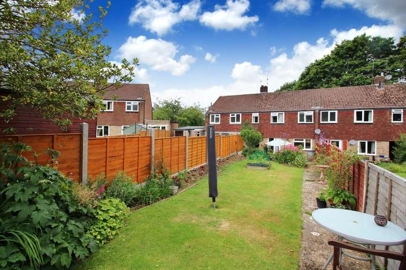 3 Bedrooms Terraced House for sale in Farhalls Crescent, Horsham
