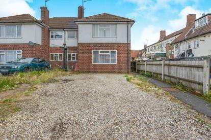 2 Bedrooms Maisonette Flat for sale in Beechwood Rise, Watford, Hertfordshire