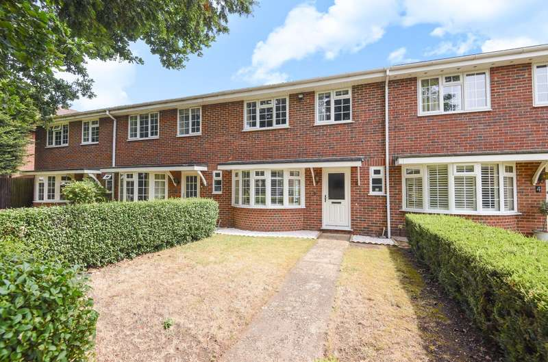 3 Bedrooms Terraced House for sale in Walton on Thames