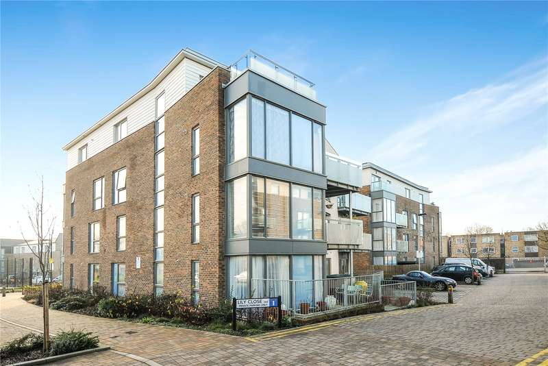 2 Bedrooms Apartment Flat for sale in Caulfield Gardens, Pinner, Middlesex, HA5