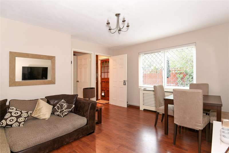 2 Bedrooms House for sale in Peerless Drive, Harefield, Uxbridge, UB9