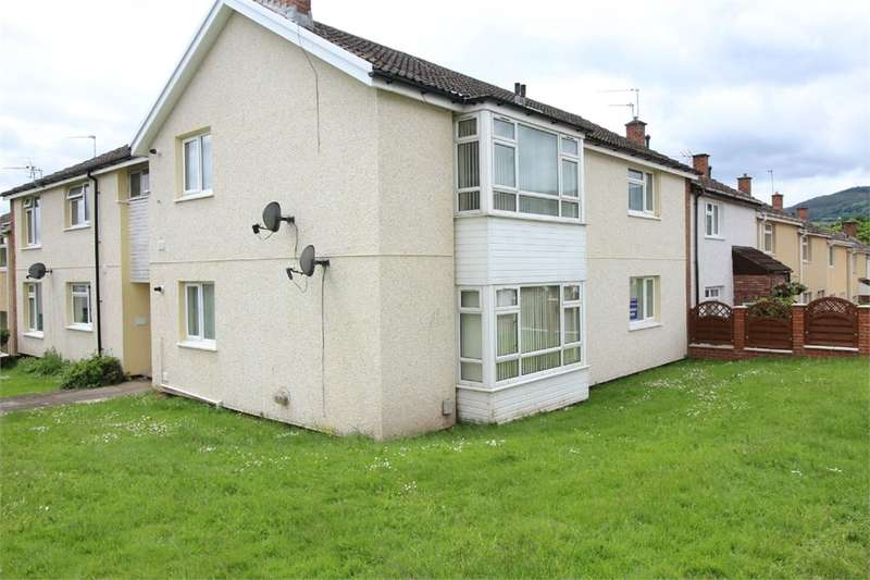 2 Bedrooms Ground Flat for sale in Ledbrook Close, Cwmbran, NP44