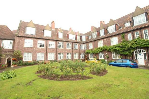 2 Bedrooms Flat for sale in Clewer Court, NEWPORT