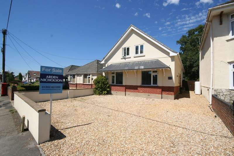 5 Bedrooms Chalet House for sale in Sandy Lane, Upton, Poole