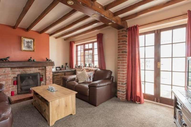 3 Bedrooms Semi Detached House for sale in Gladstone Avenue, Heanor, Derbyshire, DE75