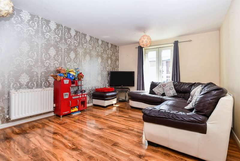 2 Bedrooms Flat for sale in Burford Gardens, Cardiff