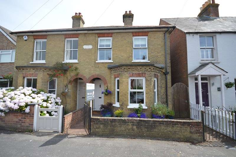3 Bedrooms Semi Detached House for sale in Western Road, Lymington