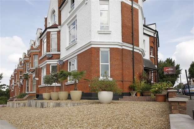 2 Bedrooms Flat for sale in Thurlow Hill, Dulwich
