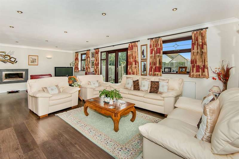 3 Bedrooms Detached Bungalow for sale in Reculver Road, Herne Bay