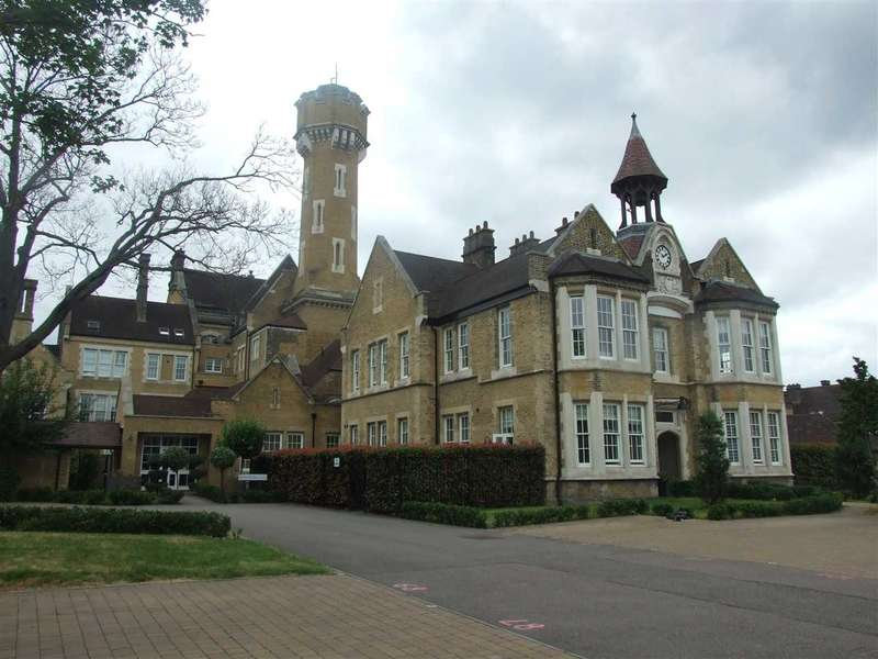 2 Bedrooms Apartment Flat for sale in Bunstone Hall, Dartford