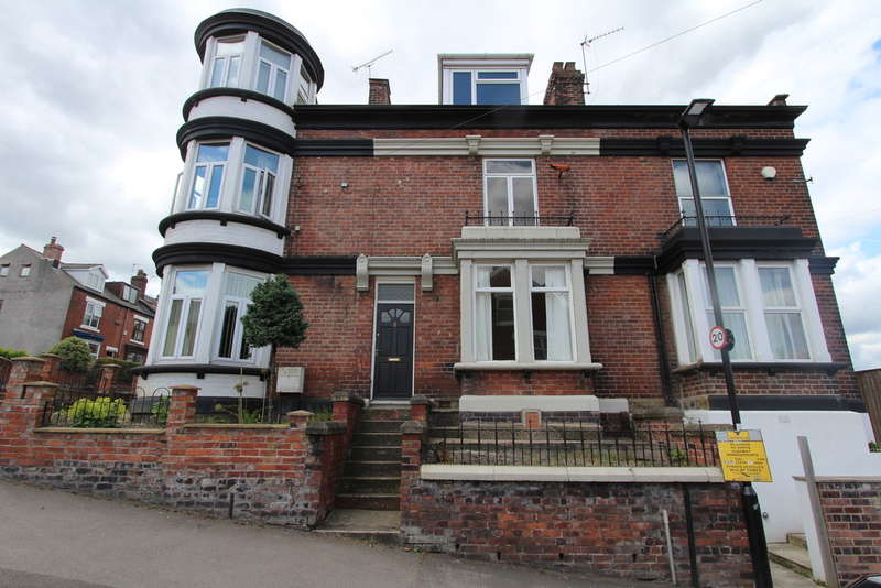 4 Bedrooms Terraced House for sale in Beeton Road, Meersbrook Park, S8 9FB