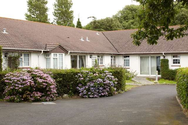 1 Bedroom Retirement Property for sale in The Elms Nursing Home, Swain's Road, Bembridge, Isle of Wight, PO35 5XS