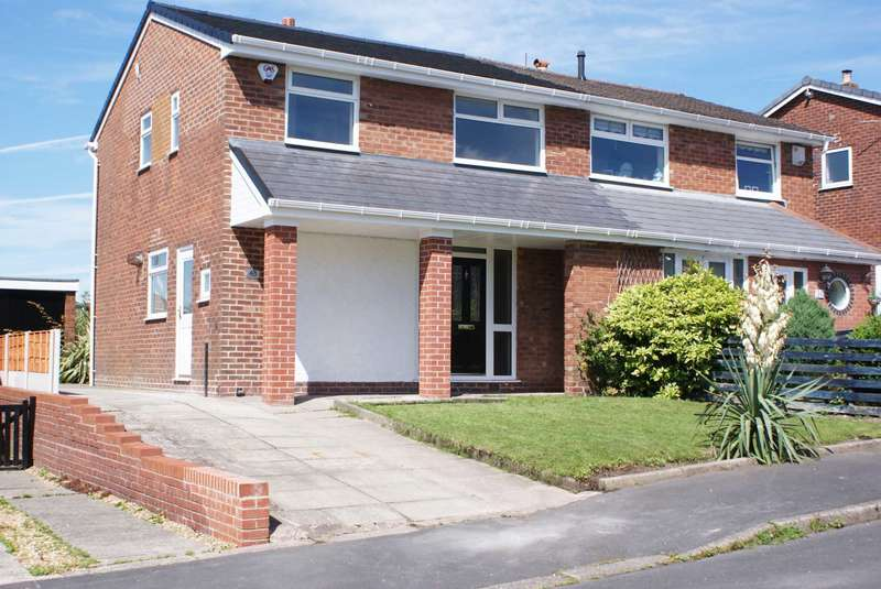 3 Bedrooms Semi Detached House for sale in Ferndown Road, Harwood