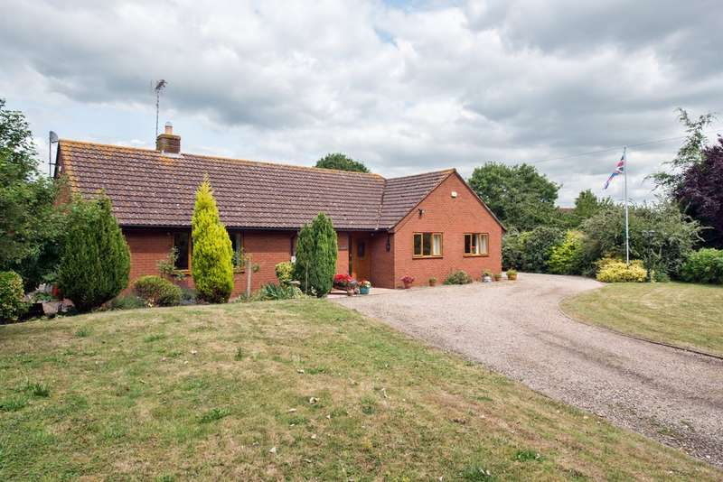4 Bedrooms Detached Bungalow for sale in Sandhurst