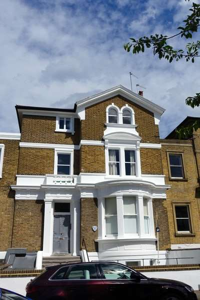 2 Bedrooms Flat for sale in Altenburg Gardens, London, London, SW11