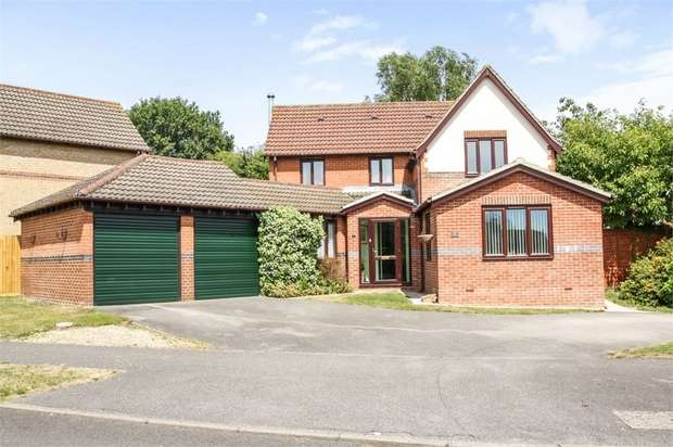 4 Bedrooms Detached House for sale in Ascot Road, Horton Heath, Eastleigh, Hampshire