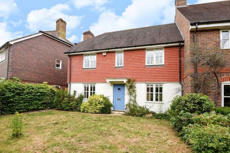 3 Bedrooms End Of Terrace House for sale in Berrall Way, Billingshurst, RH14