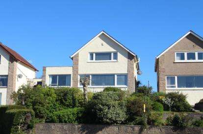 3 Bedrooms Link Detached House for sale in Windsor Gardens, Largs