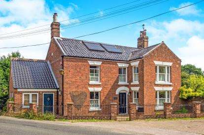 6 Bedrooms Detached House for sale in Catfield, Great Yarmouth, Norfolk