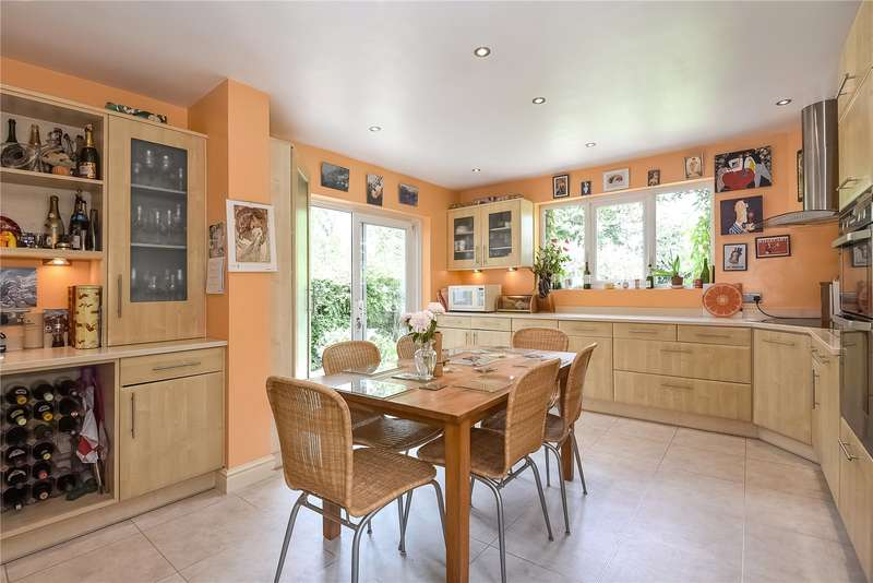 4 Bedrooms House for sale in The Ridgeway, Stanmore, Middlesex, HA7