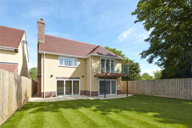 4 Bedrooms Detached House for sale in Abbots Way, Longwell Green, Bristol, Gloucestershire, BS30