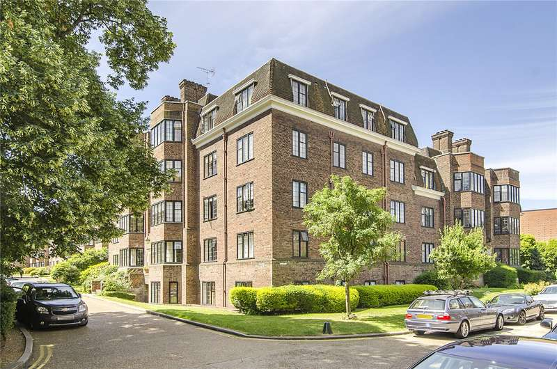 3 Bedrooms Flat for sale in Keble House, Manor Fields, London, SW15