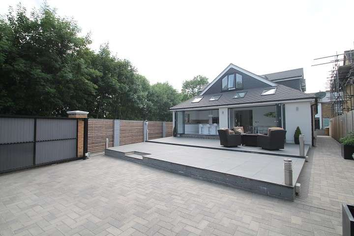 4 Bedrooms Detached House for sale in Cumberland Street, Staines-Upon-Thames, TW18