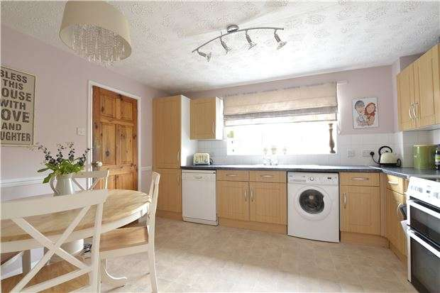 3 Bedrooms Semi Detached House for sale in Bourton Close, WITNEY, Oxfordshire, OX28 5FN