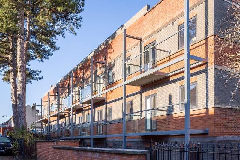 1 Bedroom Flat for sale in Victoria Road, Swindon SN1 3UZ