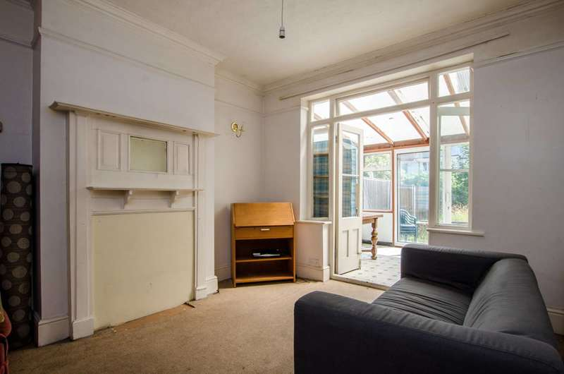 3 Bedrooms House for sale in Kings Avenue, Clapham Park, SW4