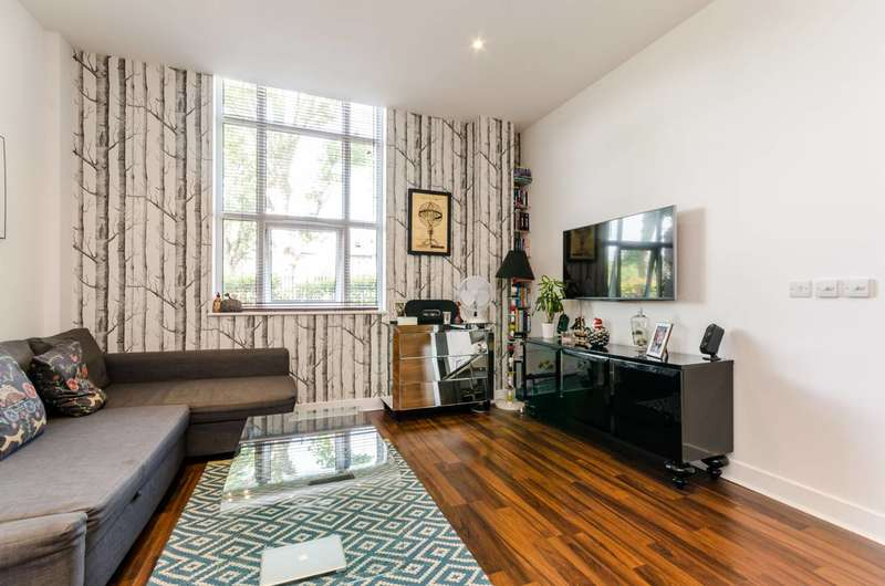 1 Bedroom Flat for sale in Bromyard House, Acton, W3