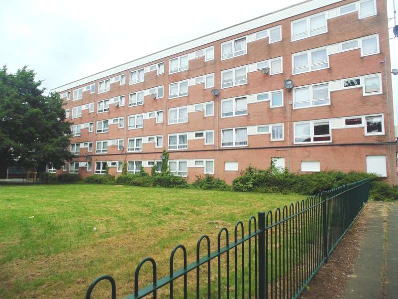 3 Bedrooms Flat for sale in Irving Road, Maybush, Southampton