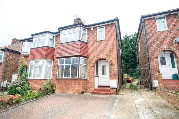 3 Bedrooms Semi Detached House for sale in Mardale Drive, KINGSBURY, NW9 0RX