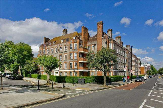 4 Bedrooms Flat for sale in Prince of Wales Road, Camden, NW5