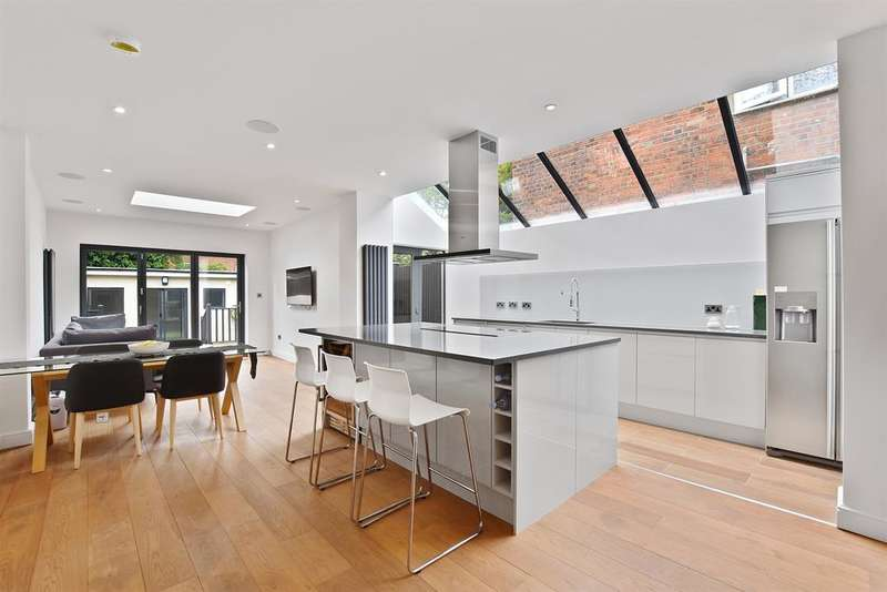 4 Bedrooms House for sale in Larch Road, London, NW2 6SH