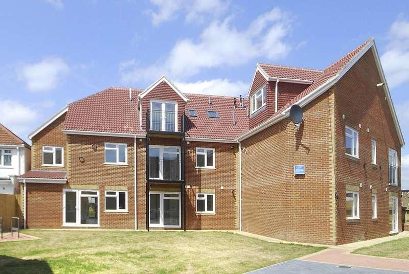 2 Bedrooms Flat for sale in Walton Avenue, South Harrow, HA2