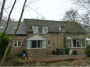 2 Bedrooms Cottage House for sale in Courtyard Cottages, Lanercost Road, Brampton, Cumbria, CA8 2EY