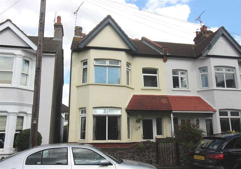 3 Bedrooms End Of Terrace House for sale in Lansdowne Avenue, Leigh on Sea