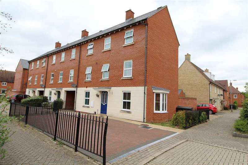 4 Bedrooms End Of Terrace House for sale in Circus Square, Colchester